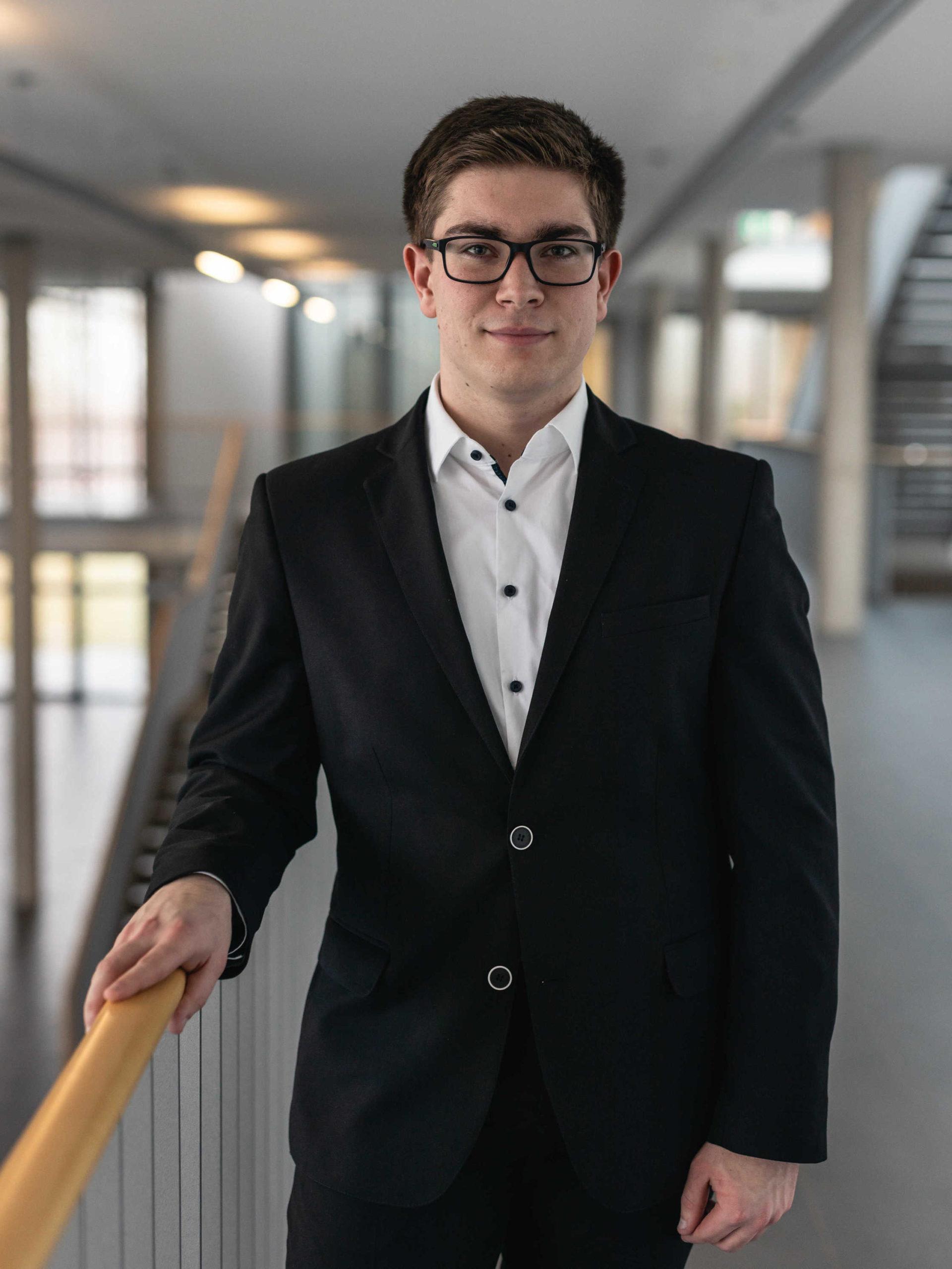 Konstantin Schütze
